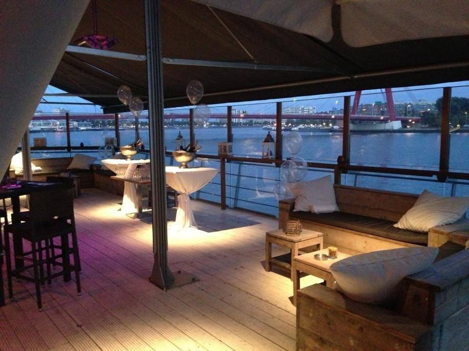 Eau lounge in rotterdam for Zaalverhuur rotterdam zuid