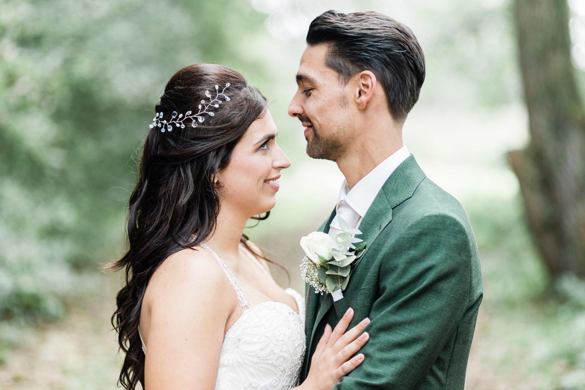 Jasje Over Jurk Bruiloft.De Etiquette Van Het Trouwpak Theperfectwedding Nl