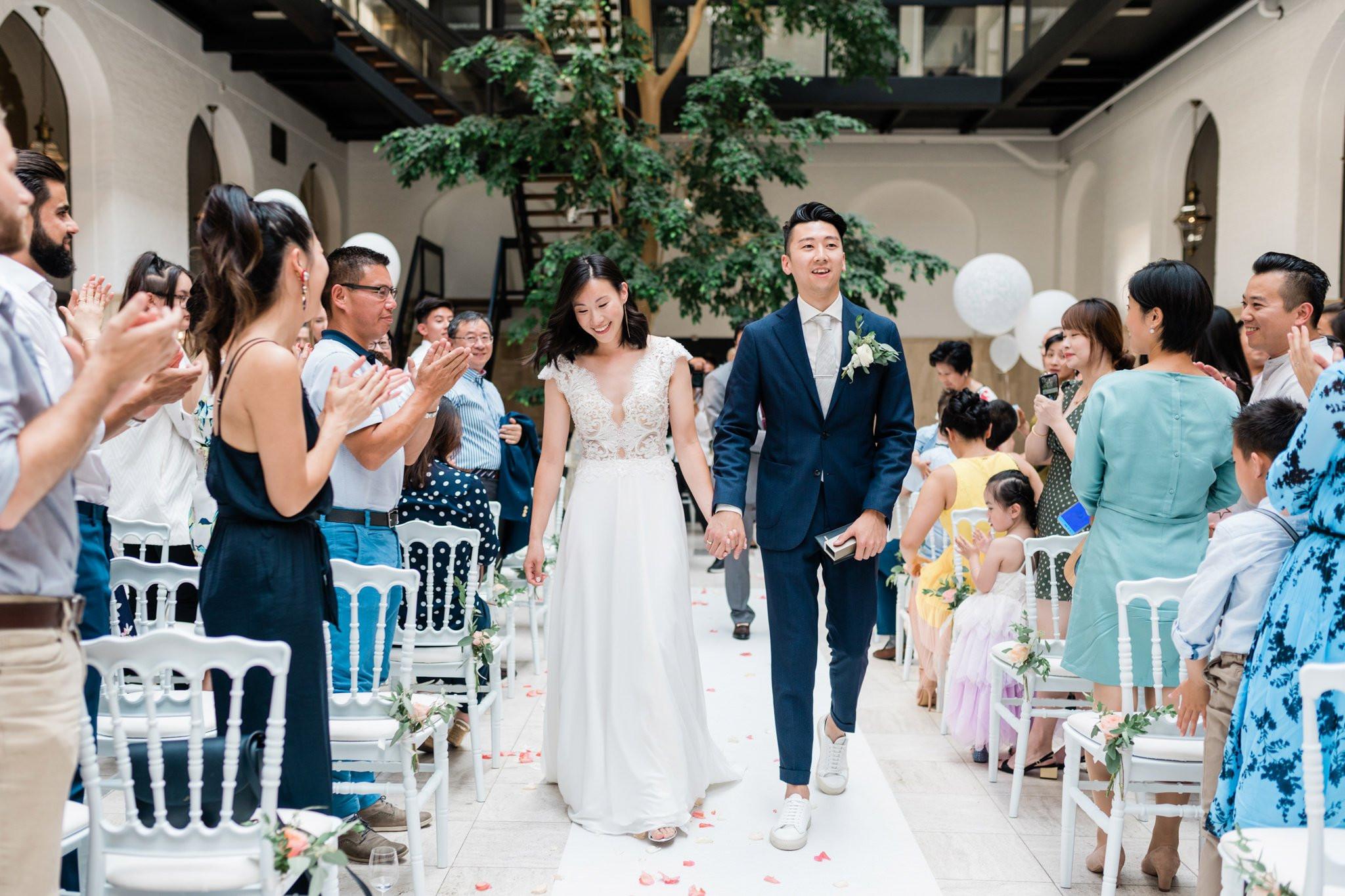 wat aandoen op trouwfeest