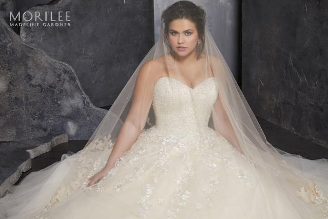 Bruidsjurken Onder 1000 Euro.Trouwjurken Bruidsmode Emmen Theperfectwedding Nl