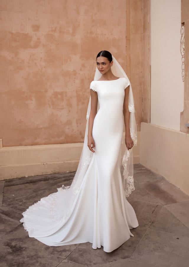 Schleppe hochstecken mit brautkleid Brautkleid