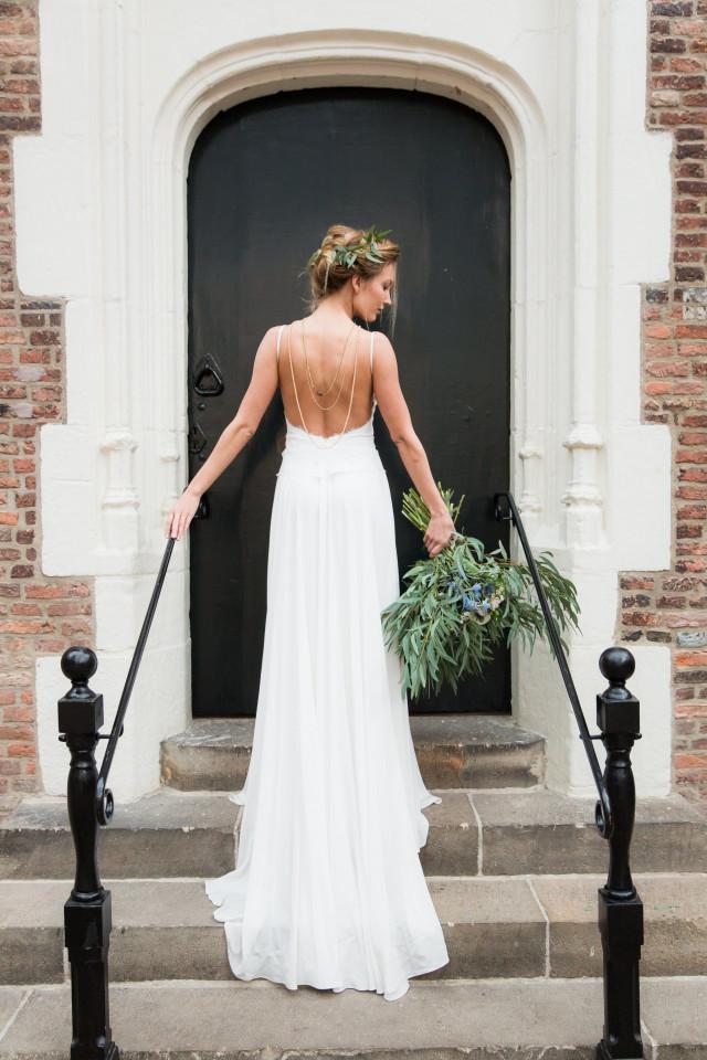 Bruidsjurk zonder kant