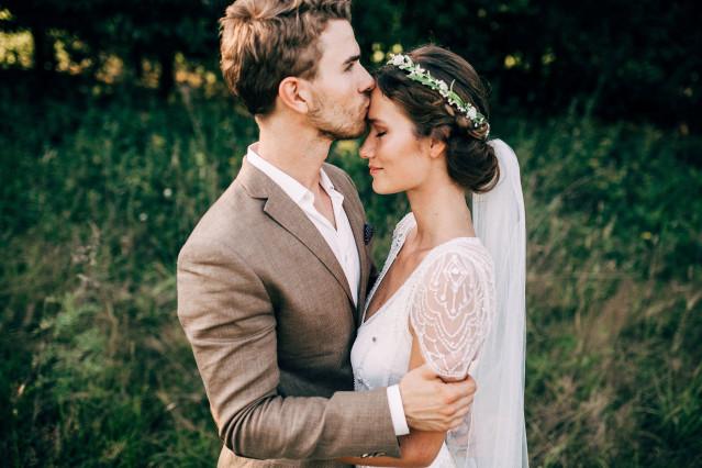 goed vind bruid kostuum in Naarden