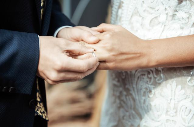 Warum Ehering rechte Hand? | ThePerfectWedding.de