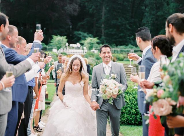 hoe feliciteer je een bruidspaar