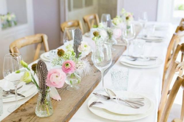 Styled shoot een huwelijk met veren for Tafeldecoratie bruiloft