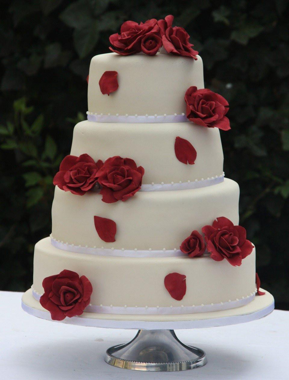 Bruidstaart Rode Rozen Theperfectwedding Nl