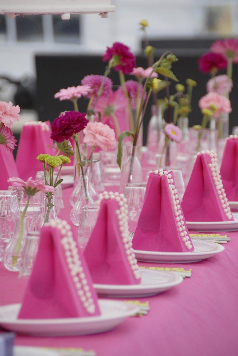 Hippe Fel Roze Tafeldecoratie Theperfectwedding Nl
