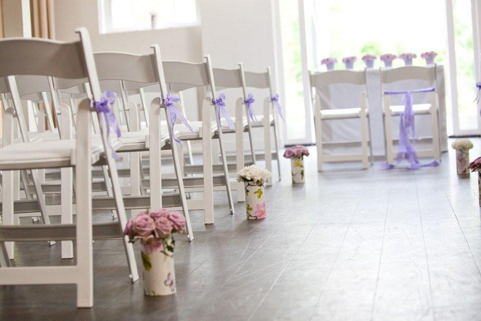 Oudroze rozen ter decoratie in de ceremoniezaal - Decoratie terrace ...